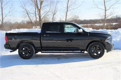 2018 Ram 1500 Crew Cab 4x4, Pickup #L18D181 - photo 25