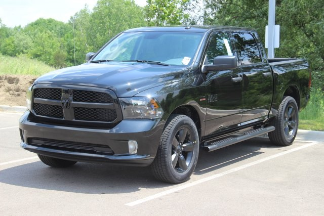 2018 Ram 1500 Crew Cab 4x4,  Pickup #L18D195 - photo 1