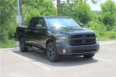2018 Ram 1500 Crew Cab 4x4,  Pickup #L18D195 - photo 3