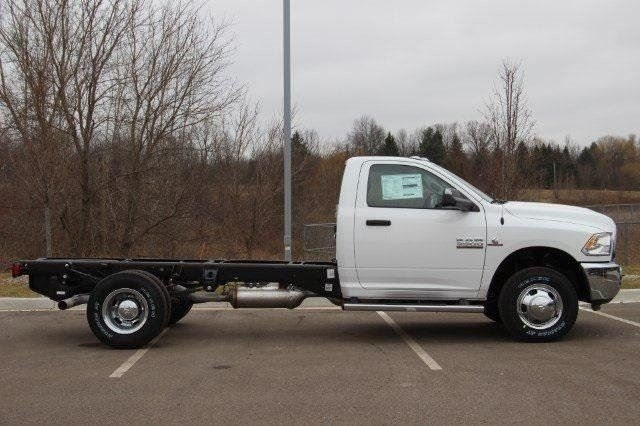 2018 Ram 3500 Regular Cab DRW 4x4,  Cab Chassis #L18D375 - photo 21