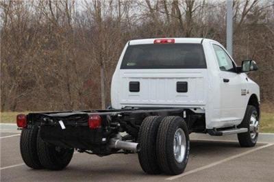 2018 Ram 3500 Regular Cab DRW 4x4,  Cab Chassis #L18D375 - photo 15