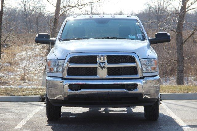 2018 Ram 3500 Regular Cab DRW 4x4,  Cab Chassis #L18D407 - photo 3