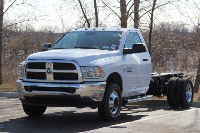 2018 Ram 3500 Regular Cab DRW 4x4,  Cab Chassis #L18D407 - photo 4