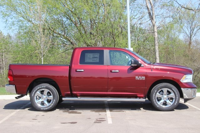 2018 Ram 1500 Crew Cab 4x4, Pickup #L18D411 - photo 8