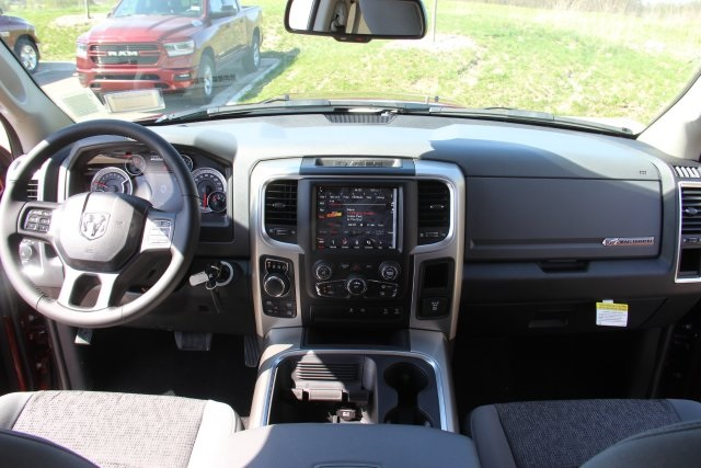 2018 Ram 1500 Crew Cab 4x4, Pickup #L18D411 - photo 16