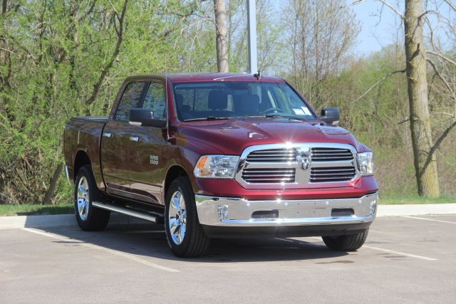 2018 Ram 1500 Crew Cab 4x4, Pickup #L18D411 - photo 3
