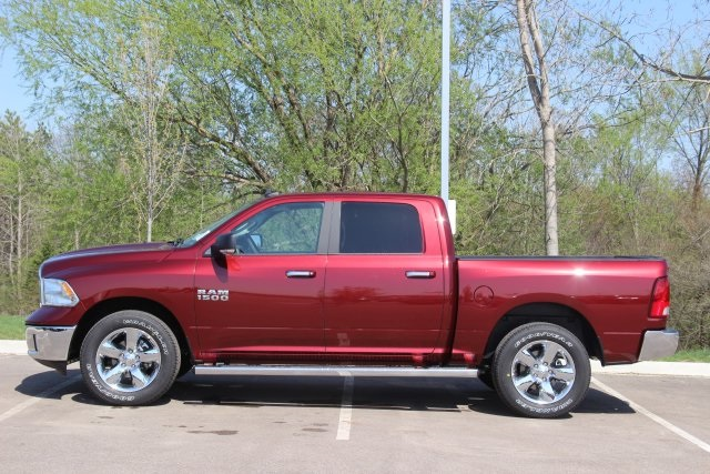 2018 Ram 1500 Crew Cab 4x4, Pickup #L18D411 - photo 5