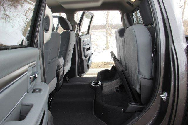 2018 Ram 1500 Crew Cab 4x4, Pickup #L18D430 - photo 30