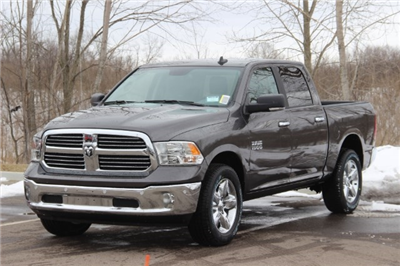 2018 Ram 1500 Crew Cab 4x4, Pickup #L18D430 - photo 4