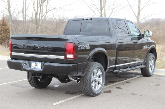 2018 Ram 2500 Crew Cab 4x4, Pickup #L18D446 - photo 2