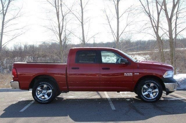 2018 Ram 1500 Crew Cab 4x4, Pickup #L18D459 - photo 25