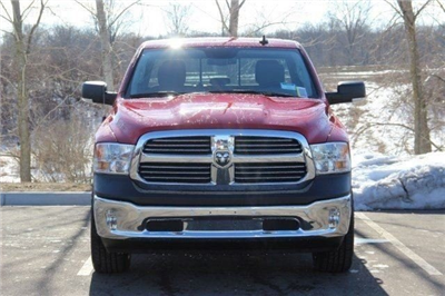 2018 Ram 1500 Crew Cab 4x4, Pickup #L18D459 - photo 3