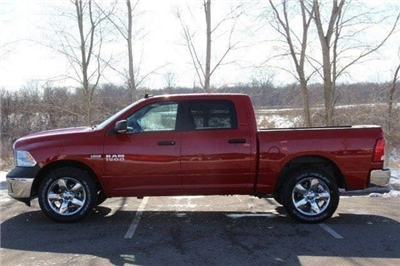 2018 Ram 1500 Crew Cab 4x4, Pickup #L18D459 - photo 22