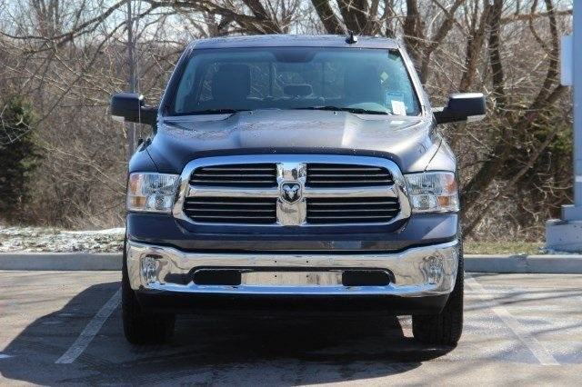 2018 Ram 1500 Crew Cab 4x4, Pickup #L18D476 - photo 3
