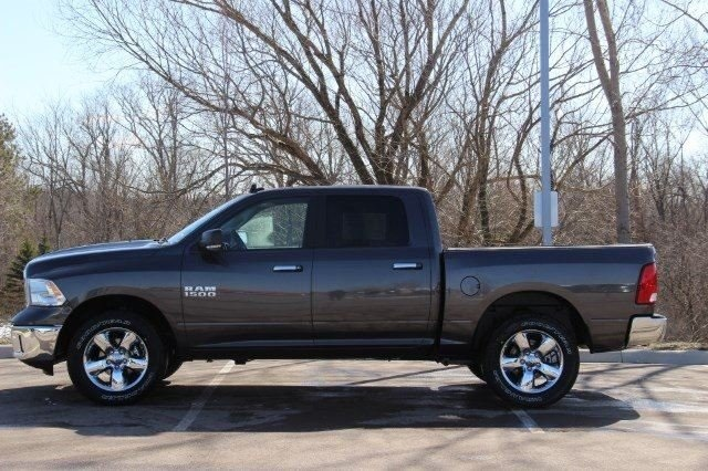 2018 Ram 1500 Crew Cab 4x4, Pickup #L18D476 - photo 5