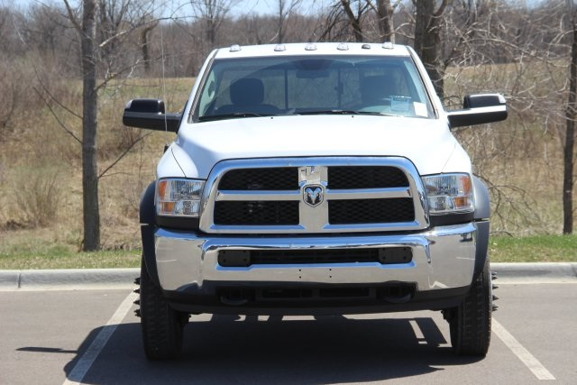 2018 Ram 5500 Regular Cab DRW, Cab Chassis #L18D479 - photo 3