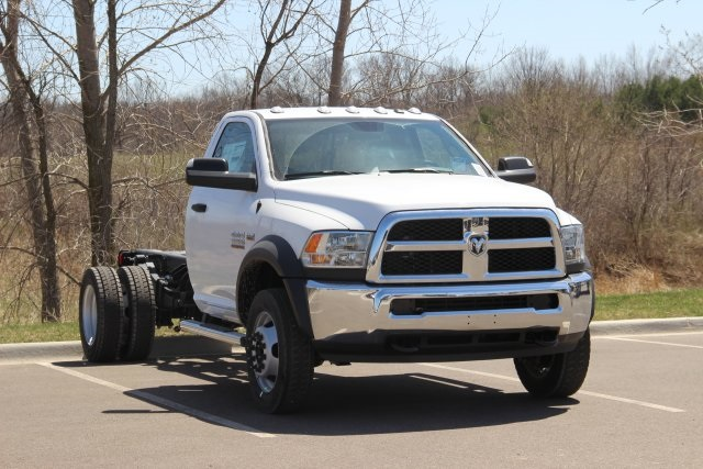 2018 Ram 5500 Regular Cab DRW, Cab Chassis #L18D479 - photo 14
