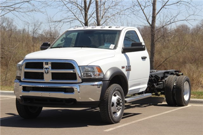 2018 Ram 5500 Regular Cab DRW, Cab Chassis #L18D479 - photo 4