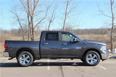 2018 Ram 1500 Crew Cab 4x4, Pickup #L18D489 - photo 25