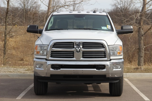 2018 Ram 2500 Crew Cab 4x4, Pickup #L18D545 - photo 3