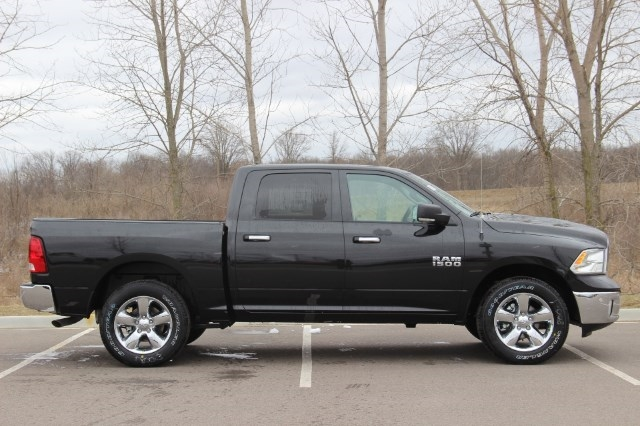 2018 Ram 1500 Crew Cab 4x4, Pickup #L18D579 - photo 8