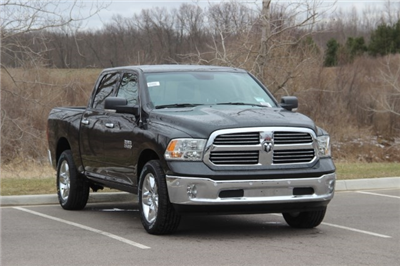 2018 Ram 1500 Crew Cab 4x4, Pickup #L18D579 - photo 18