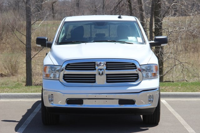 2018 Ram 1500 Crew Cab 4x4, Pickup #L18D591 - photo 3