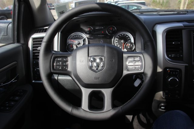 2018 Ram 1500 Crew Cab 4x4, Pickup #L18D597 - photo 14