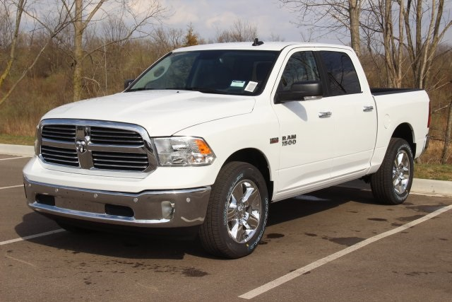 2018 Ram 1500 Crew Cab 4x4, Pickup #L18D597 - photo 4