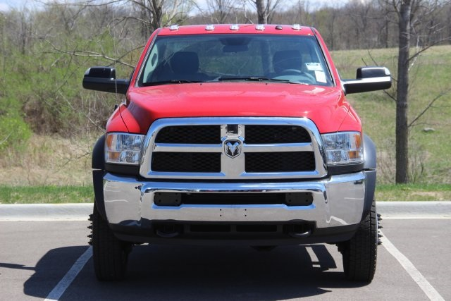 2018 Ram 5500 Regular Cab DRW 4x4,  Cab Chassis #L18D605 - photo 3