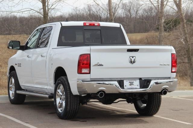 2018 Ram 1500 Crew Cab 4x4, Pickup #L18D608 - photo 6