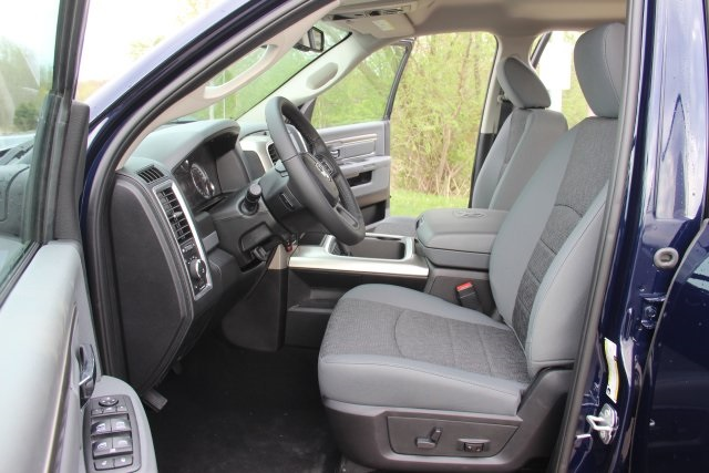 2018 Ram 1500 Crew Cab 4x4,  Pickup #L18D633 - photo 10