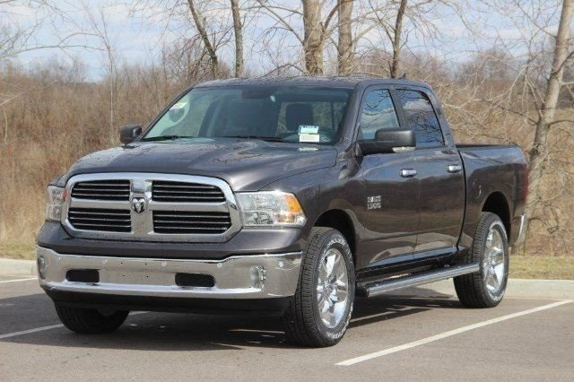2018 Ram 1500 Crew Cab 4x4, Pickup #L18D638 - photo 4