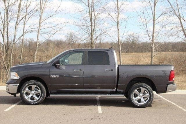 2018 Ram 1500 Crew Cab 4x4, Pickup #L18D638 - photo 22