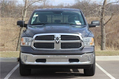 2018 Ram 1500 Crew Cab 4x4, Pickup #L18D638 - photo 3