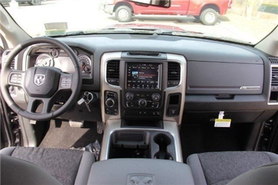2018 Ram 1500 Crew Cab 4x4, Pickup #L18D638 - photo 16