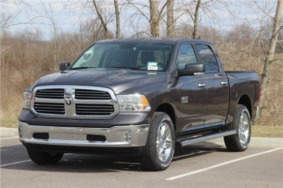 2018 Ram 1500 Crew Cab 4x4, Pickup #L18D638 - photo 21