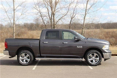 2018 Ram 1500 Crew Cab 4x4, Pickup #L18D638 - photo 25