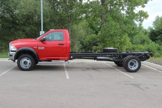 2018 Ram 5500 Regular Cab DRW 4x2,  Cab Chassis #L18D816 - photo 5
