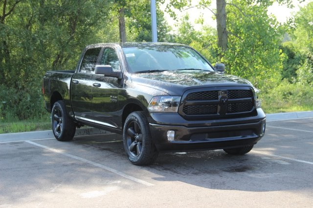 2018 Ram 1500 Crew Cab 4x4,  Pickup #L18D835 - photo 3