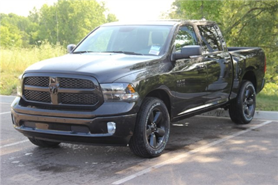2018 Ram 1500 Crew Cab 4x4,  Pickup #L18D835 - photo 1
