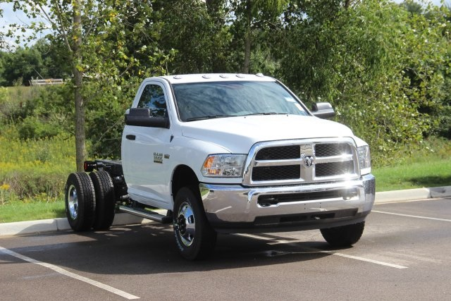 2018 Ram 3500 Regular Cab DRW 4x4,  Cab Chassis #L18D913 - photo 14