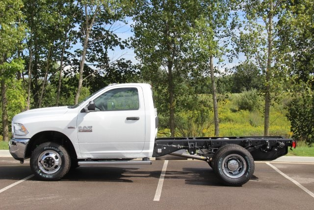 2018 Ram 3500 Regular Cab DRW 4x4,  Cab Chassis #L18D913 - photo 5