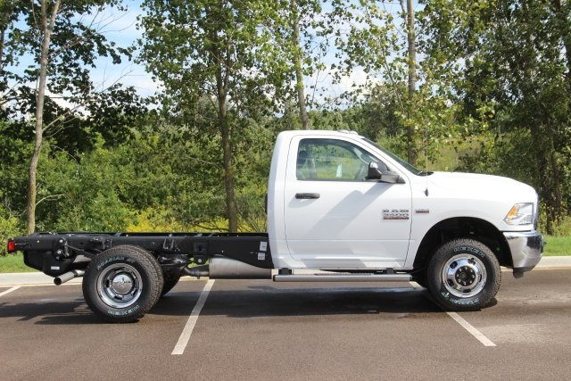 2018 Ram 3500 Regular Cab DRW 4x4,  Cab Chassis #L18D913 - photo 8