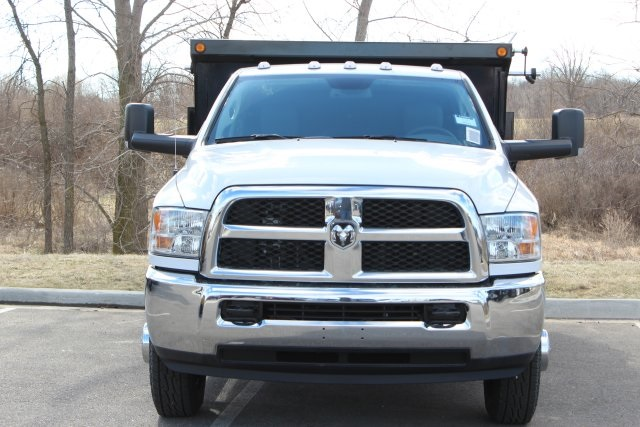 2018 Ram 3500 Regular Cab DRW 4x4,  Cab Chassis #L18D931 - photo 3