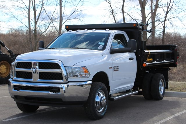 2018 Ram 3500 Regular Cab DRW 4x4,  Cab Chassis #L18D931 - photo 4