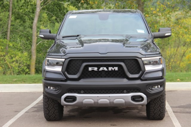 2019 Ram 1500 Crew Cab 4x4,  Pickup #L19D178 - photo 3