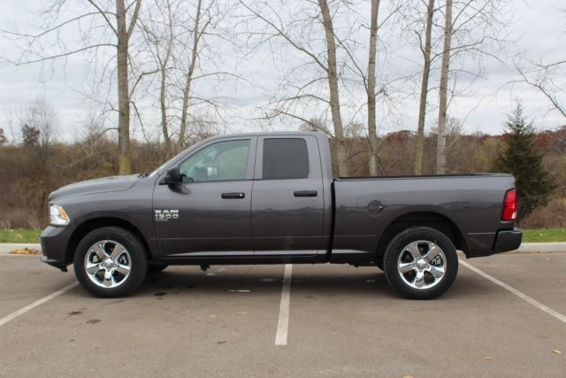 2019 Ram 1500 Quad Cab 4x4,  Pickup #L19D288 - photo 5
