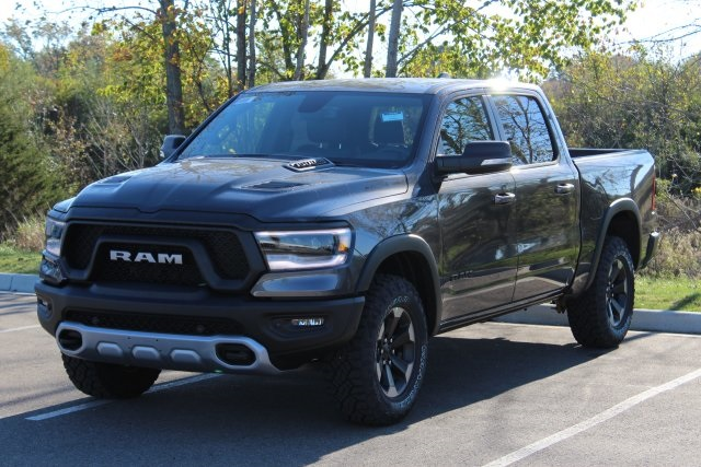 2019 Ram 1500 Crew Cab 4x4,  Pickup #L19D305 - photo 4