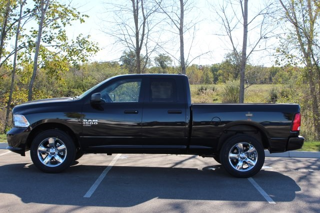 2019 Ram 1500 Quad Cab 4x4,  Pickup #L19D332 - photo 5